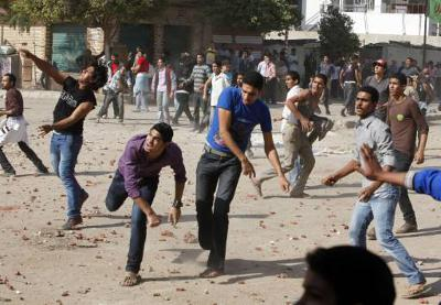 Cairo:  3,000 Orthodox Copts (Christians) hurled stones at police lines