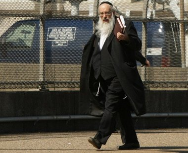 Rabbi Mordchai Fish sentenced in NJ for laundering scheme