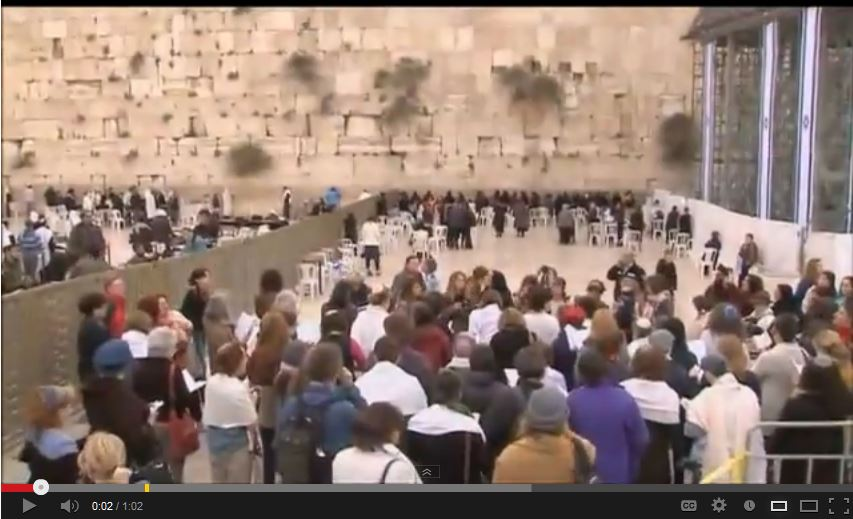 Police arrest 5 women at Western Wall for wearing tallitot